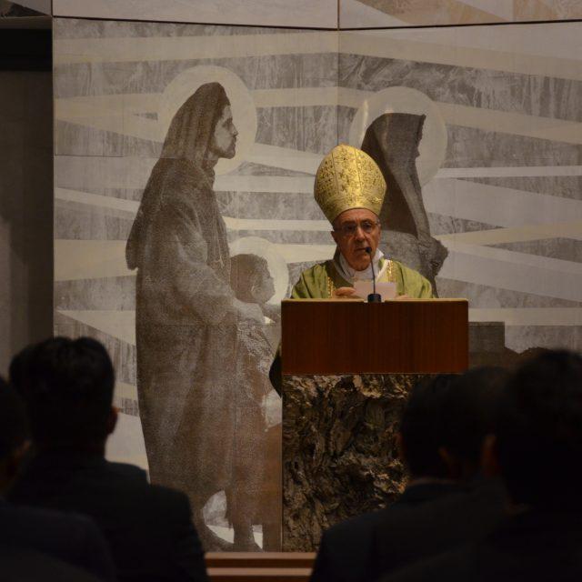 """""""Debemos imitar a Cristo, configurarnos con Él"""". Mons. Hugo Nicolás Barbaro visita Bidasoa"""