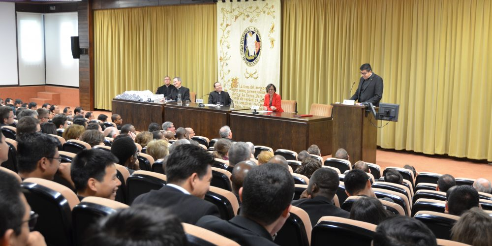 ¡BACHILLERES! Universidad de Navarra certifica a 24 formandos de Bidasoa