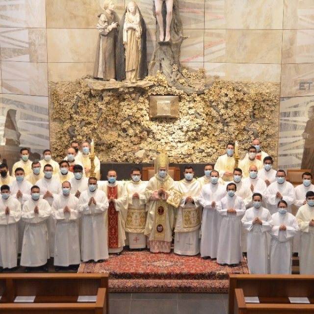 21 seminaristas admitidos a las Sagradas Órdenes