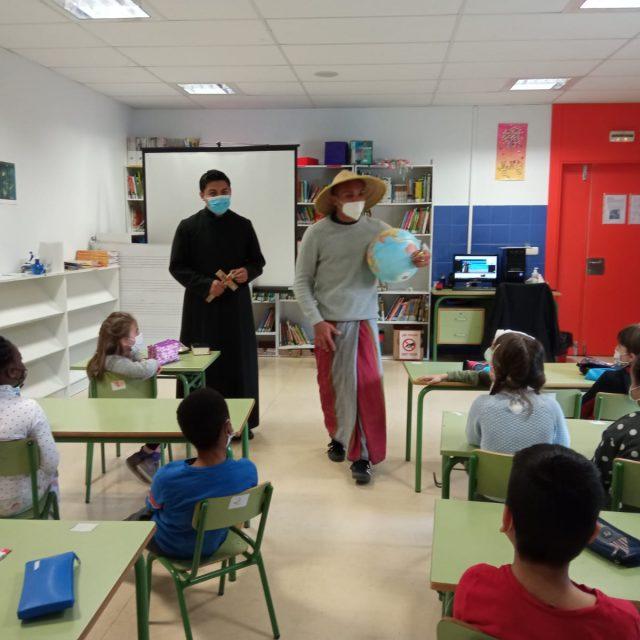 De misión en los colegios