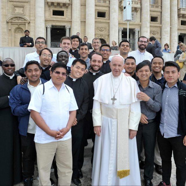Seminaristas de Bidasoa con el Papa Francisco