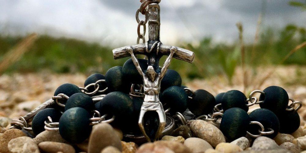 El Rosario a la luz de los santos